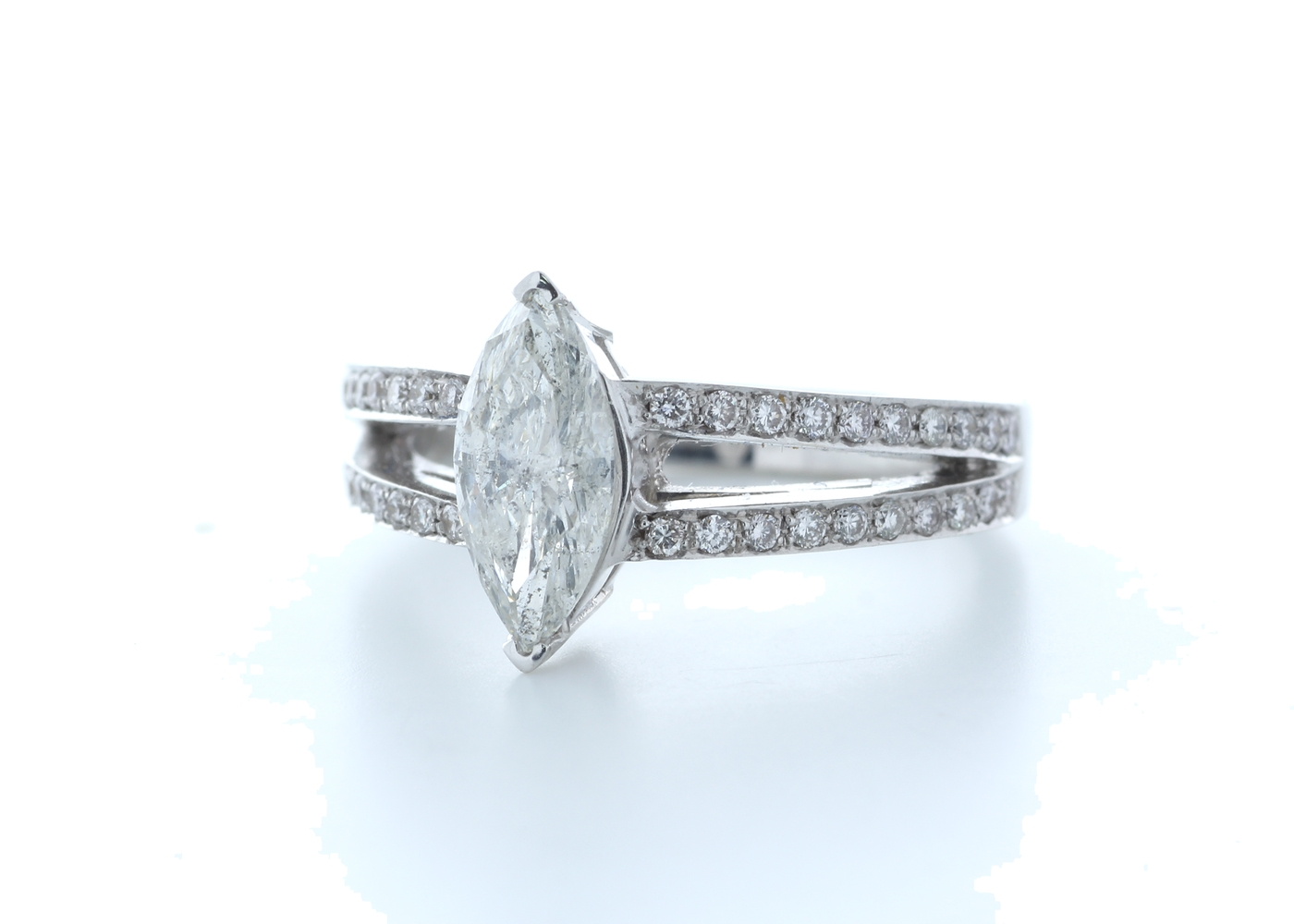 18k White Gold Marquise Cut Diamond Ring 1.41 (1.11) Carats - Image 2 of 5