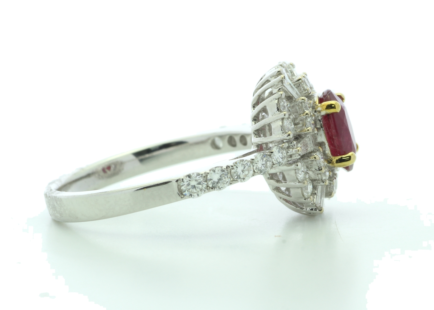 18k White Gold Cluster Diamond And Ruby Ring (R0.86) 0.80 Carats - Image 4 of 5