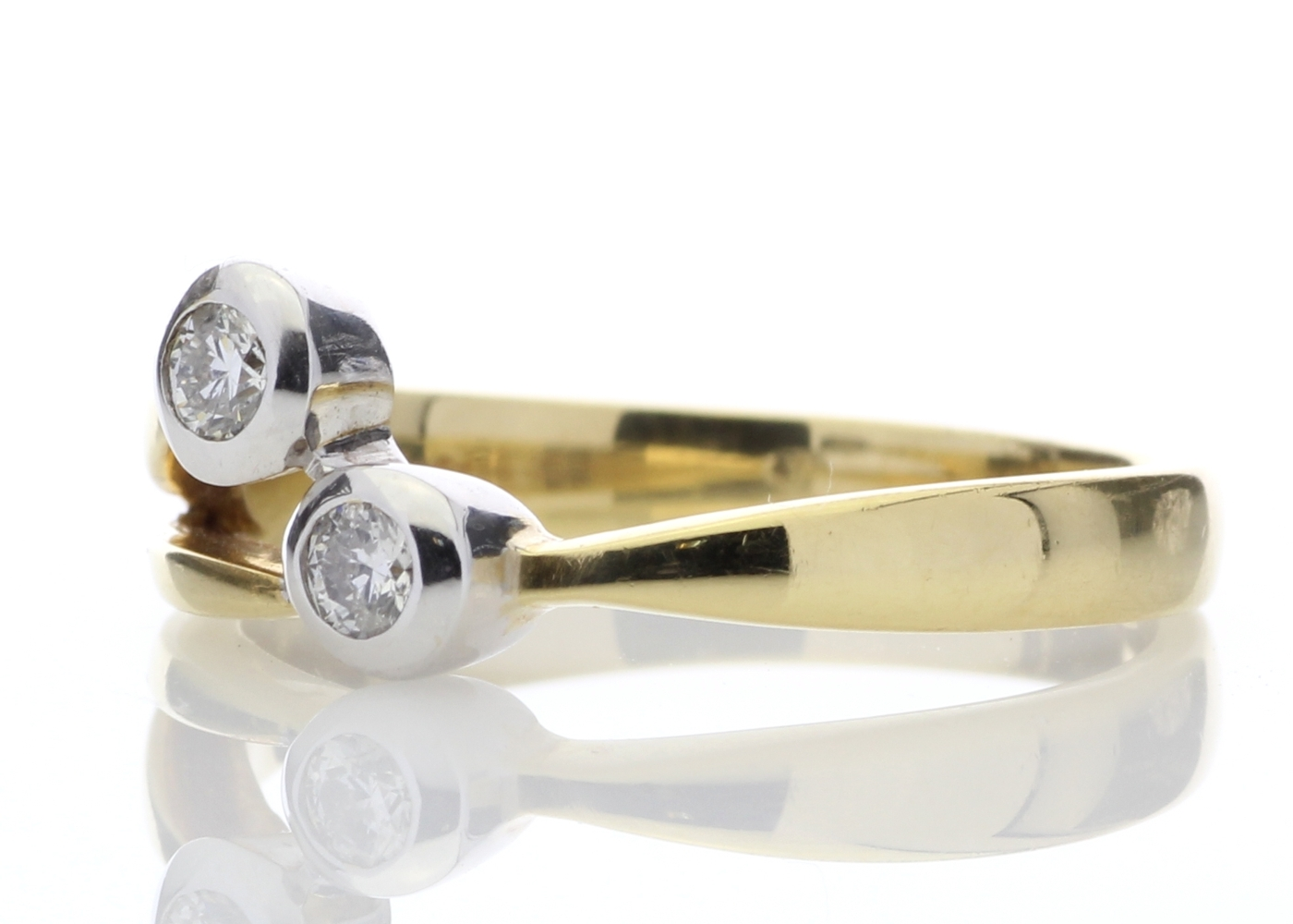18ct Two Stone Rub Over Set Diamond Ring 0.25 Carats - Image 2 of 4