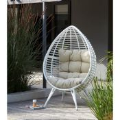 (R16) 1x Pod Chair White RRP £299.