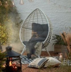 No Reserve Garden Auction: BBQs, Garden Furniture, Hot Tubs, Power Tools, Rattan and Sheds | Customer Returns