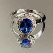 Beautiful Natural Tanzanite Ring With Diamonds And 18k Gold