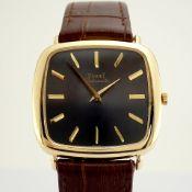 Piaget / 18K - Gentlmen's Yellow gold Wrist Watch