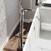 New & Boxed Niagra II Waterfall Freestanding Bath Mixer Tap & Hand Held Show. Tb3097.RRP £497...