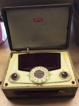 Vintage Vidor portable Battery/AC CN 430 Receiver