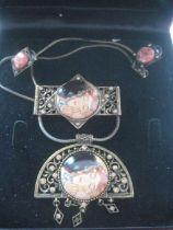 Vintage G Klimt Der Kuss Goebel Jewellery Set, Cased