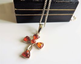 Sterling Silver Baltic Amber Pendant Necklace 8.5 grams