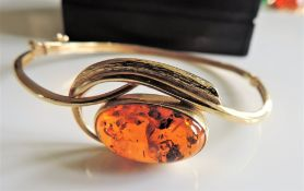 Hand Made 14k Solid Gold Baltic Amber Bangle
