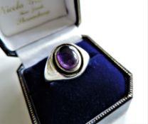 Vintage Gents Sterling Silver Amethyst Signet Ring