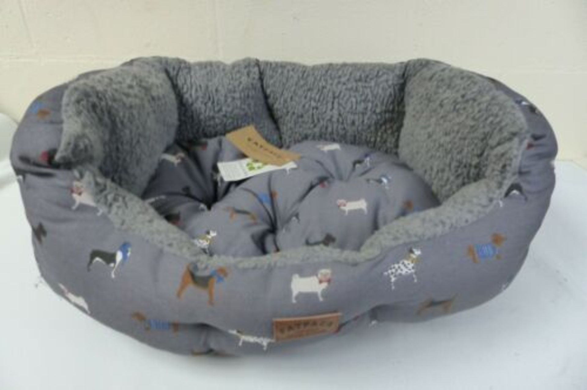 FatFace Marching Dogs Deluxe Slumber Dog Bed M/L - Image 2 of 2