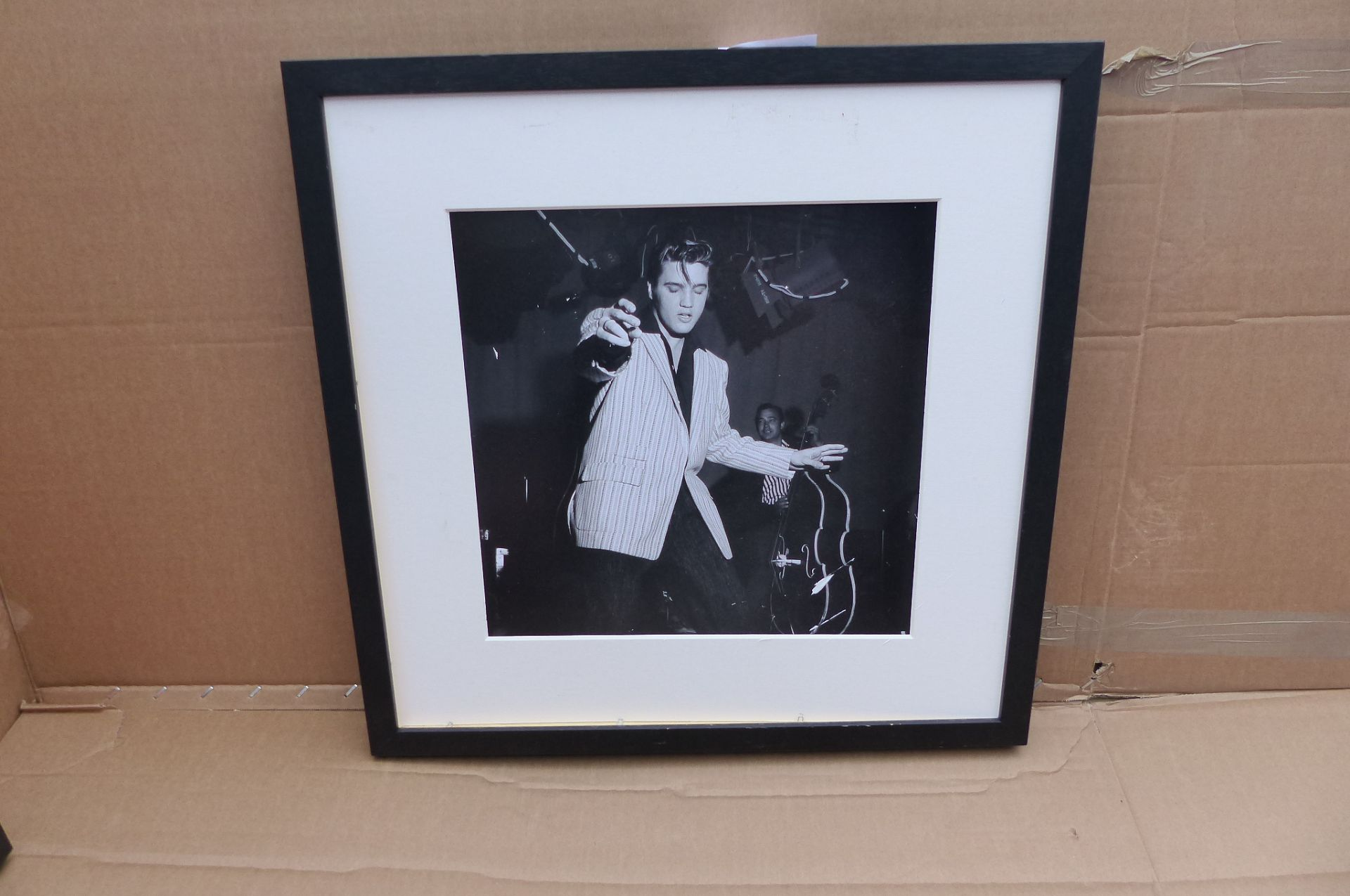 Getty Images Gallery - Elvis Presley Rehearsing Wood Framed Print & Mount, 59.5 x 59.5cm