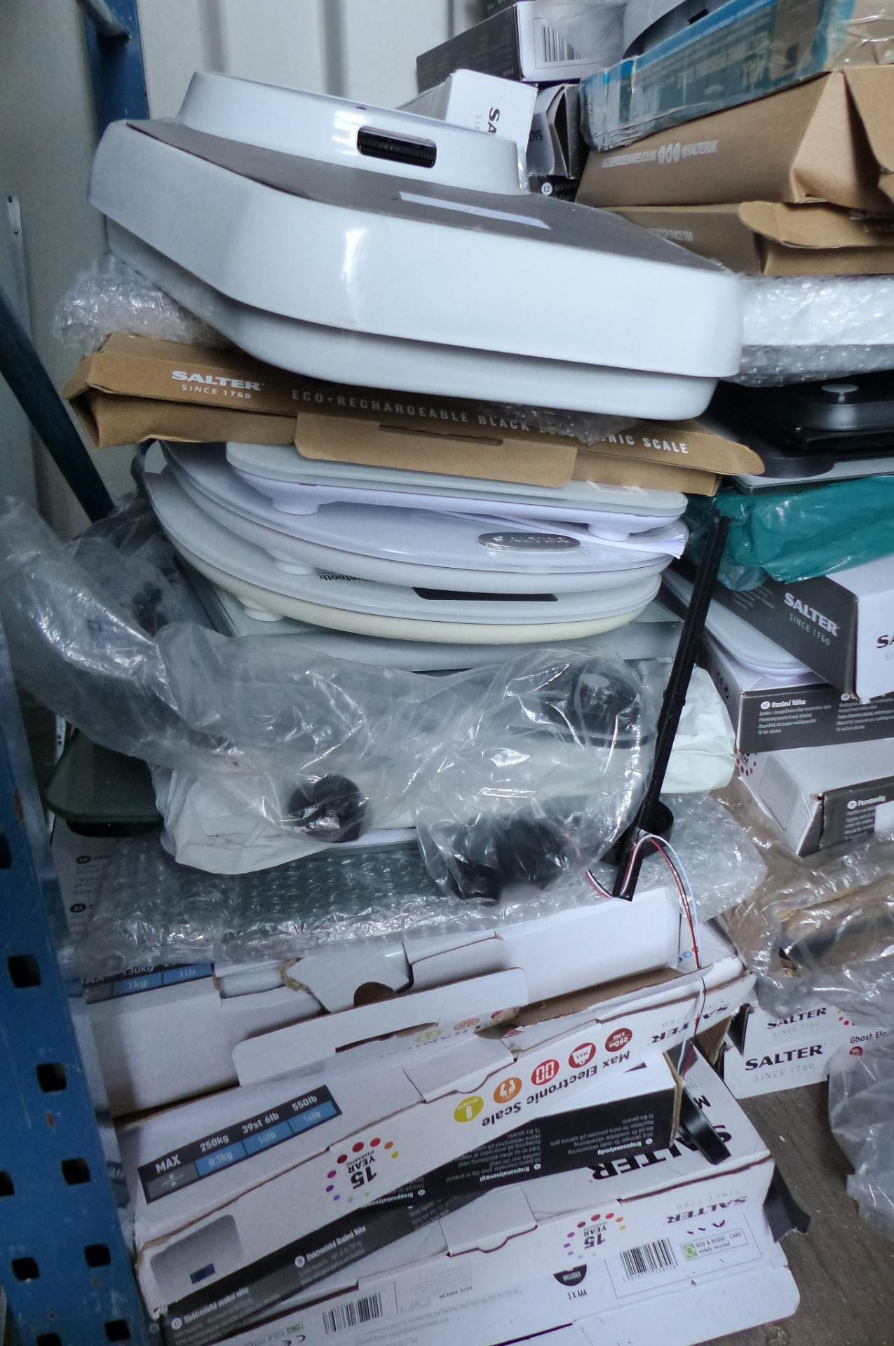 Large Job Lot Of bathroom Scales to include Salter & John Lewis - Image 3 of 3