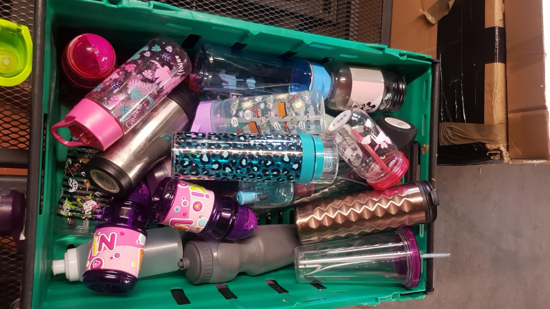 Jobbers Mixed Lot. To Include Plastic & Thermos Drinking Vessels. Plastic Storage Containers. Mixed - Image 4 of 21