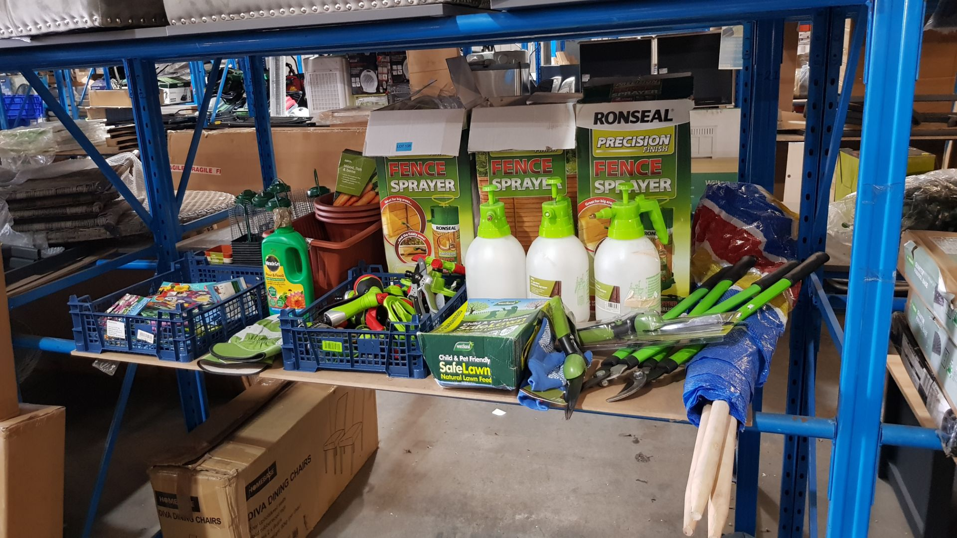 (3B) Gardening Lot – Contents Of Shelf. To Inc 3x Ronseal Precision Finish Fence Sprayer. Mixed Unw - Image 6 of 15