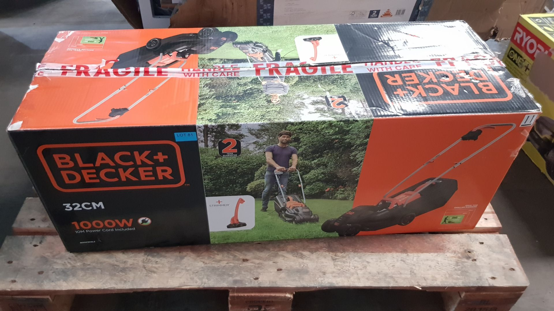 (P5) 1x Black & Decker 32cm 1000W Corded Lawn Mower & Strimmer RRP £99. Contents Appear Clean, Unus - Image 4 of 5