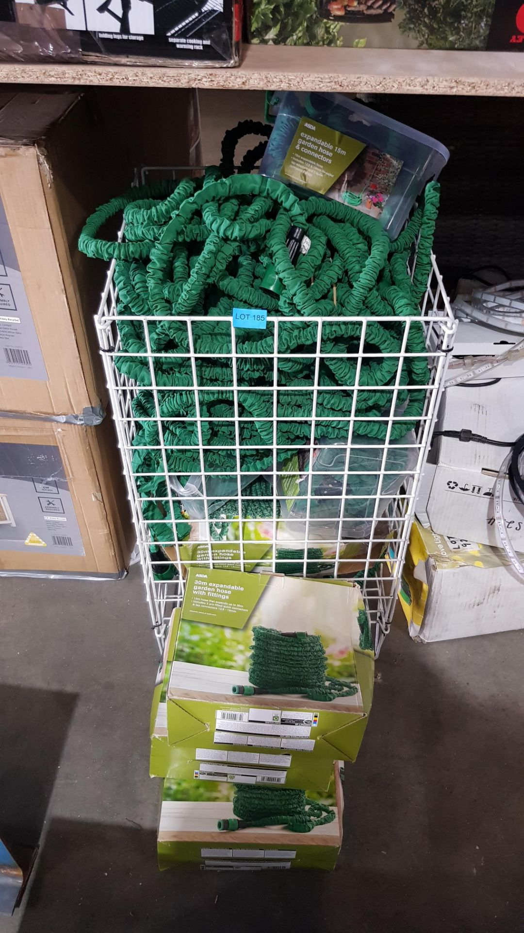 (3F) Contents Of Cage & Floor. A Quantity Of Mixed Size Expandable Garden Hose To Inc 30m & 15m. - Image 2 of 4