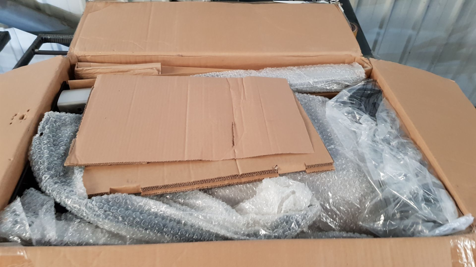 (P8) 1x Outback Excel 310 Gas BBQ Silver RRP £100. Contents Appear As New, In Original Packaging. C - Image 4 of 5