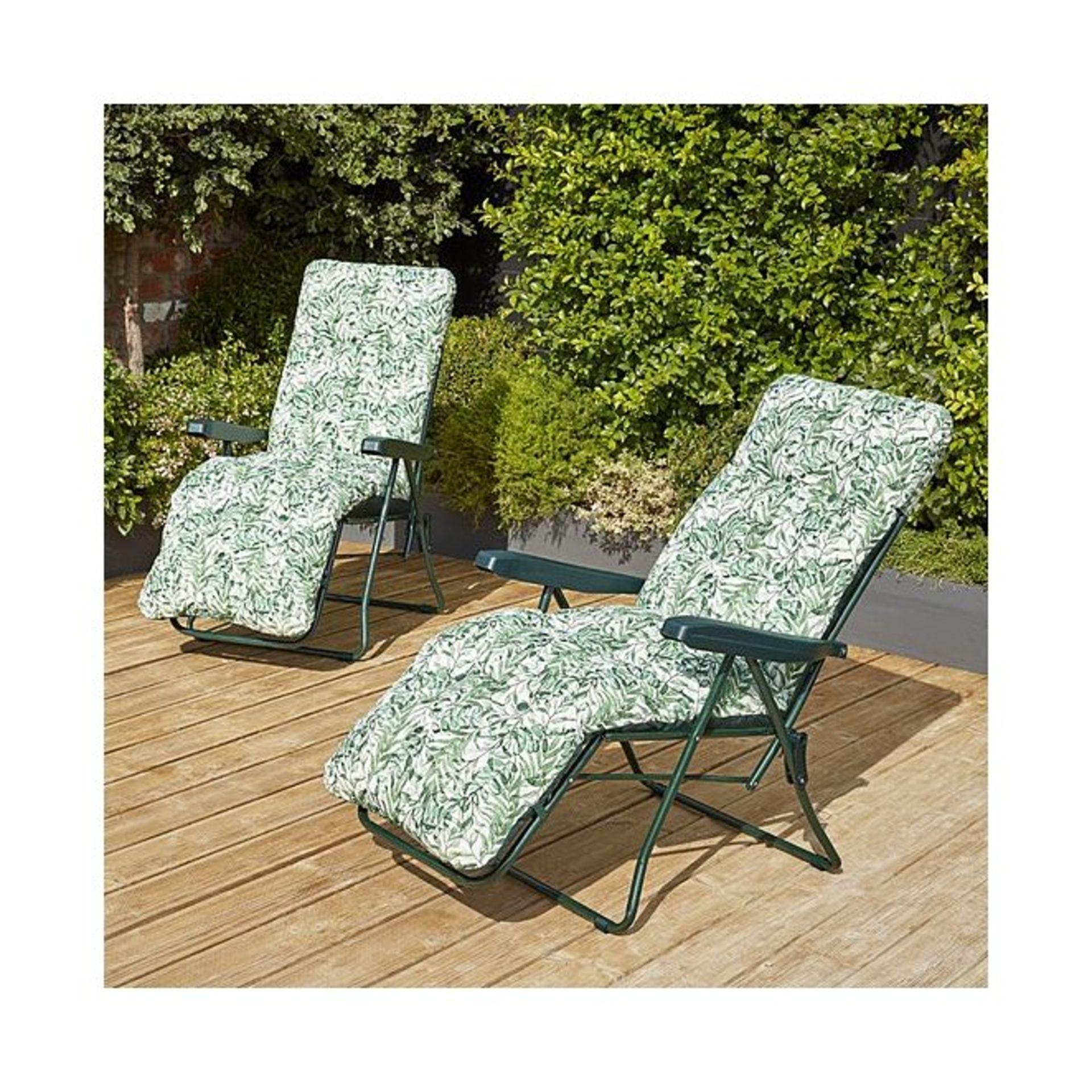(3A) 2x Fern Pattern Green Reclining Garden Chair. - Image 2 of 4