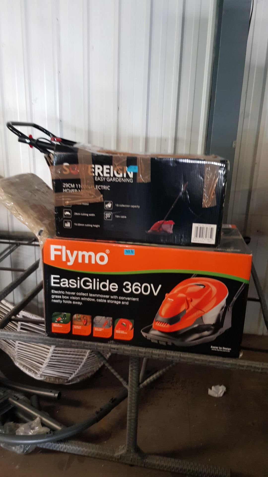 (P9) 2x Items. 1x Flymo EasiGlide 360V Electric Hover Collect Lawnmower RRP £139. 1x Sovereign 29c - Image 4 of 4