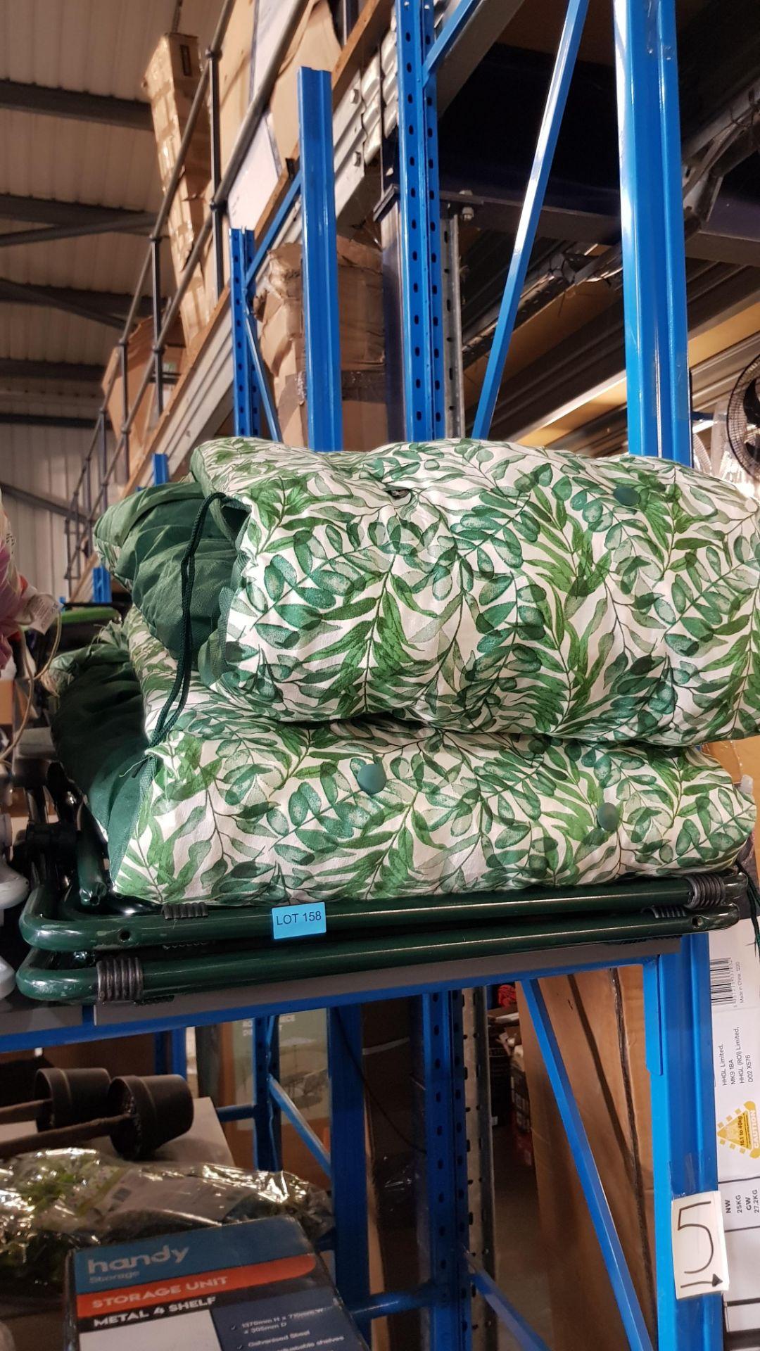 (3A) 2x Fern Pattern Green Reclining Garden Chair. - Image 3 of 4