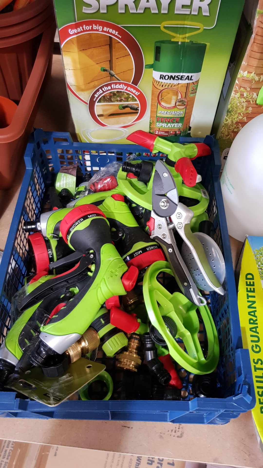 (3B) Gardening Lot – Contents Of Shelf. To Inc 3x Ronseal Precision Finish Fence Sprayer. Mixed Unw - Image 9 of 15
