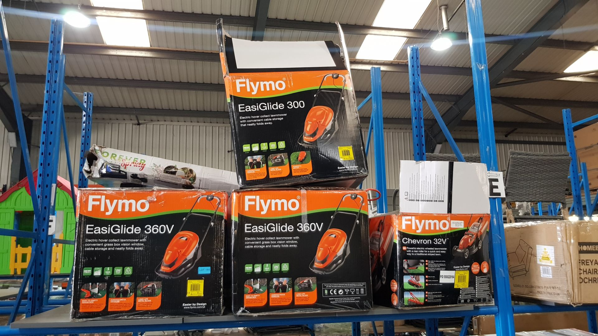 (3E) 4x Flymo Items. 3x EasiGlide 360V Electric Hover Collect Lawnmower. 1x Chevron 32V Electric Wh - Image 3 of 3