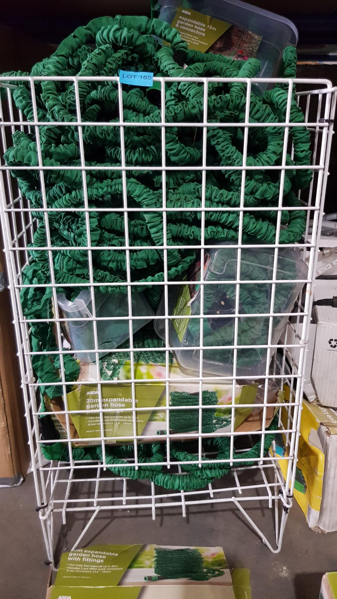 (3F) Contents Of Cage & Floor. A Quantity Of Mixed Size Expandable Garden Hose To Inc 30m & 15m. - Image 3 of 4