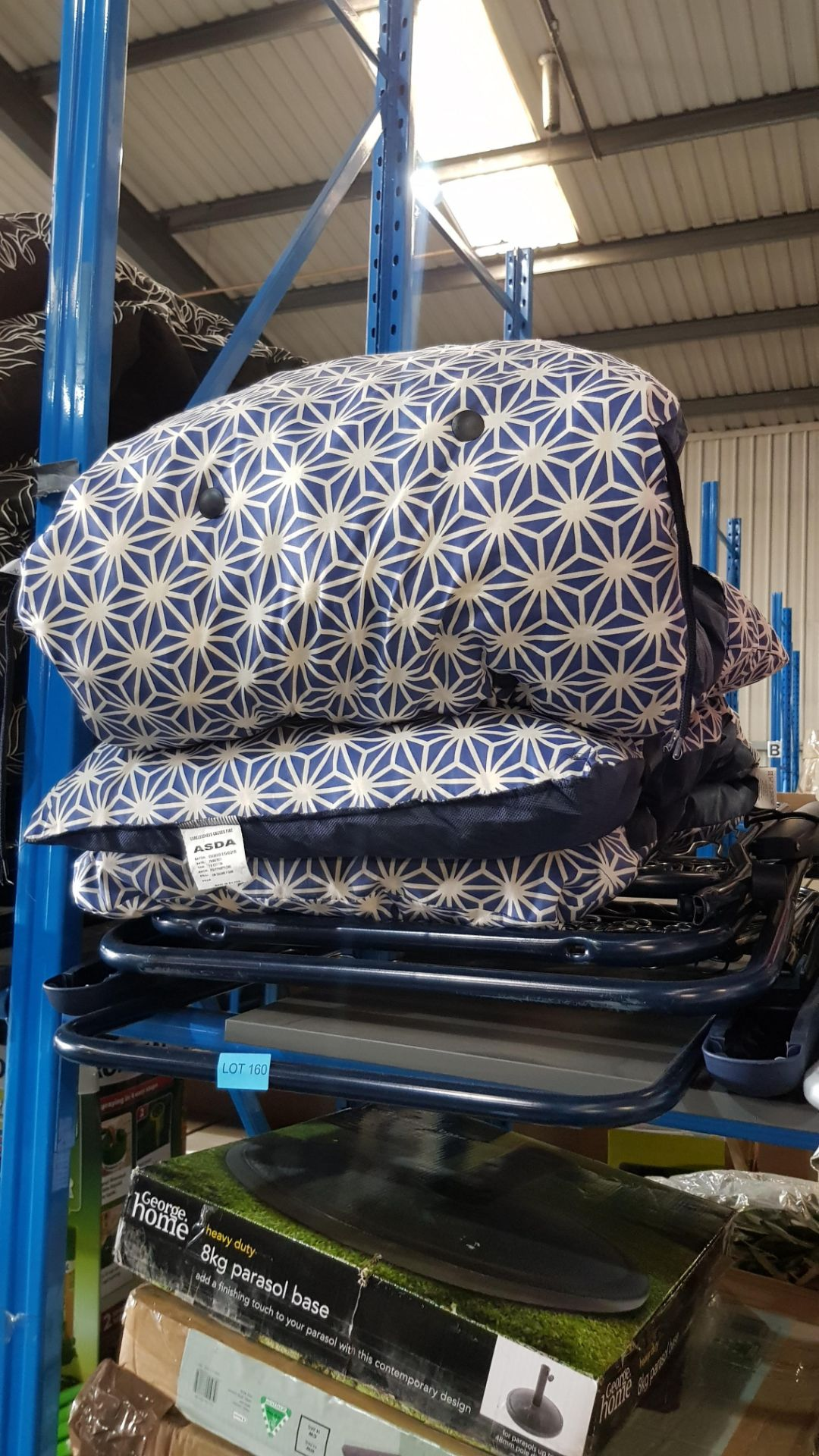 (3A) 2x Blue White Geometric Pattern Reclining Garden Chair. - Image 2 of 3