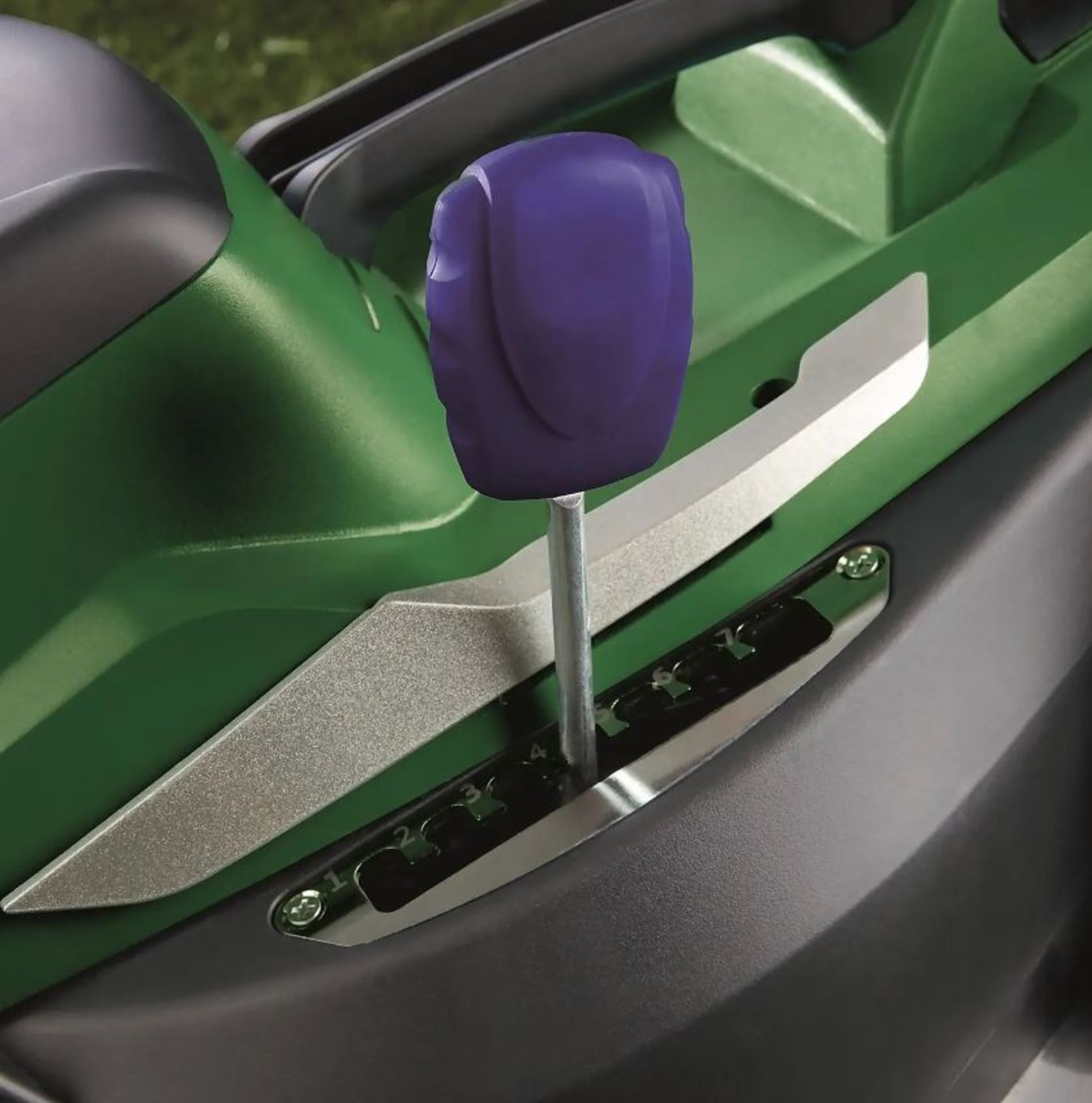 (P9) 1x Powerbase 37cm 40V Cordless Lawn Mower. RRP £199.00. Unit Appears Clean, As New & Unused. - Image 2 of 5