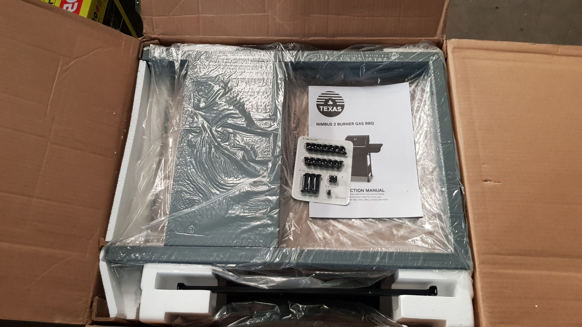 (P3) 1x Texas Nimbus 2 Burner Gas BBQ. Item Appears As New, In Original Packaging With Fixings See - Image 4 of 4