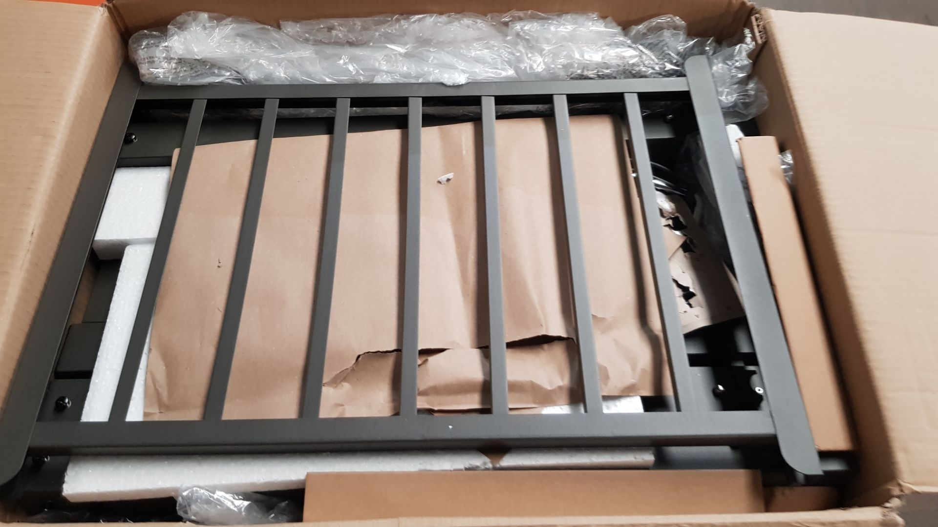 (P3) 1x Texas Franklin Charcoal BBQ. RRP £180.00. Unit Appears Clean, Unused – But Fixings Pack Has - Image 5 of 6
