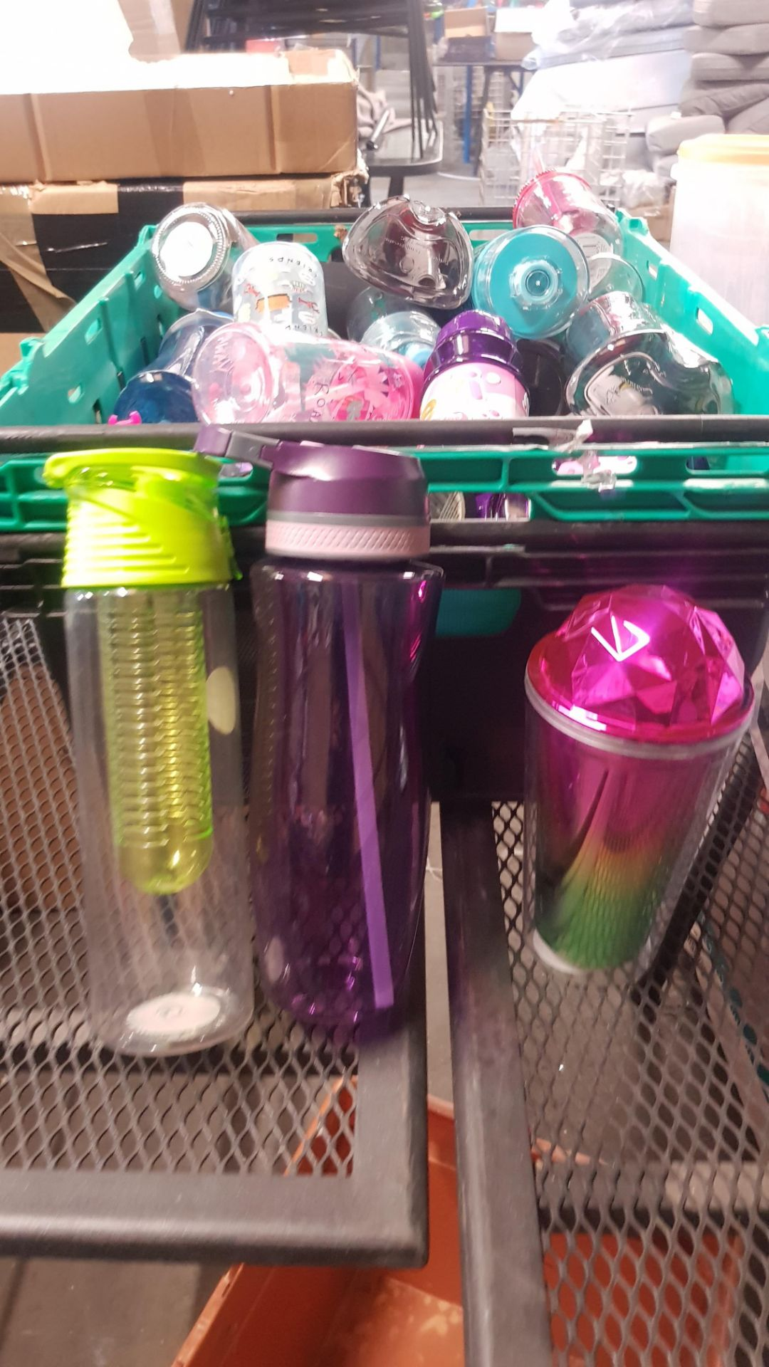 Jobbers Mixed Lot. To Include Plastic & Thermos Drinking Vessels. Plastic Storage Containers. Mixed - Image 3 of 21