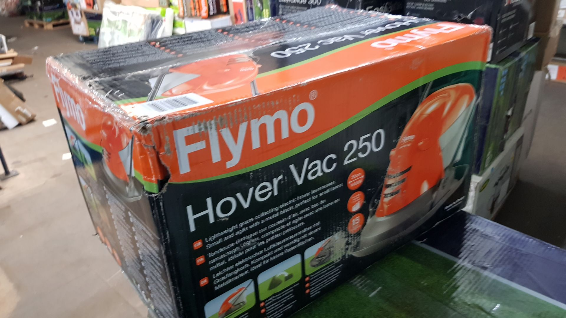 (P10) 1x Flymo Hover Vac 250 RRP £80. New, Sealed Item With Some Box Damage. - Image 4 of 4