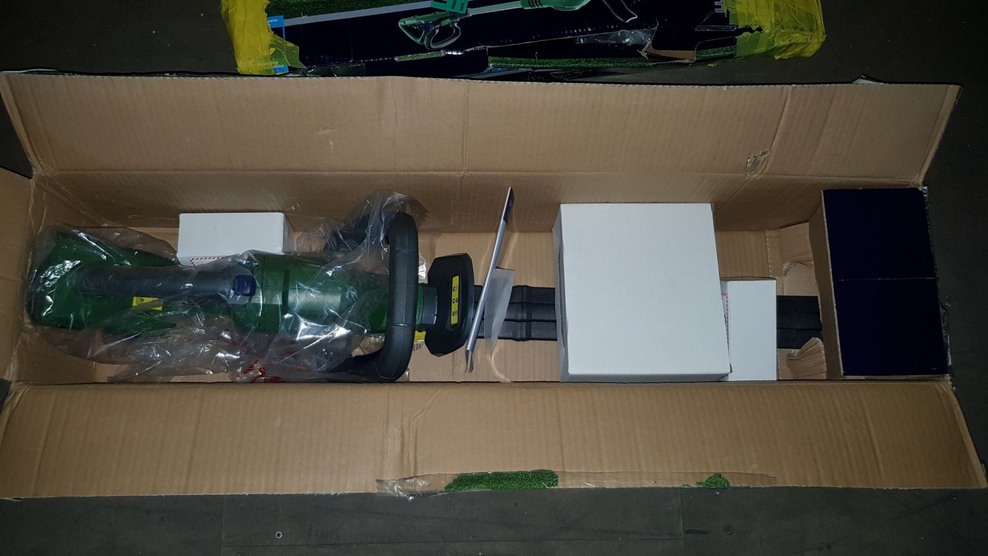 (P5) 2x Powerbase Items. 1x 52cm 40V Cordless Hedge Trimmer RRP £90 (Unit Appears Clean., Unused Wi - Image 3 of 3