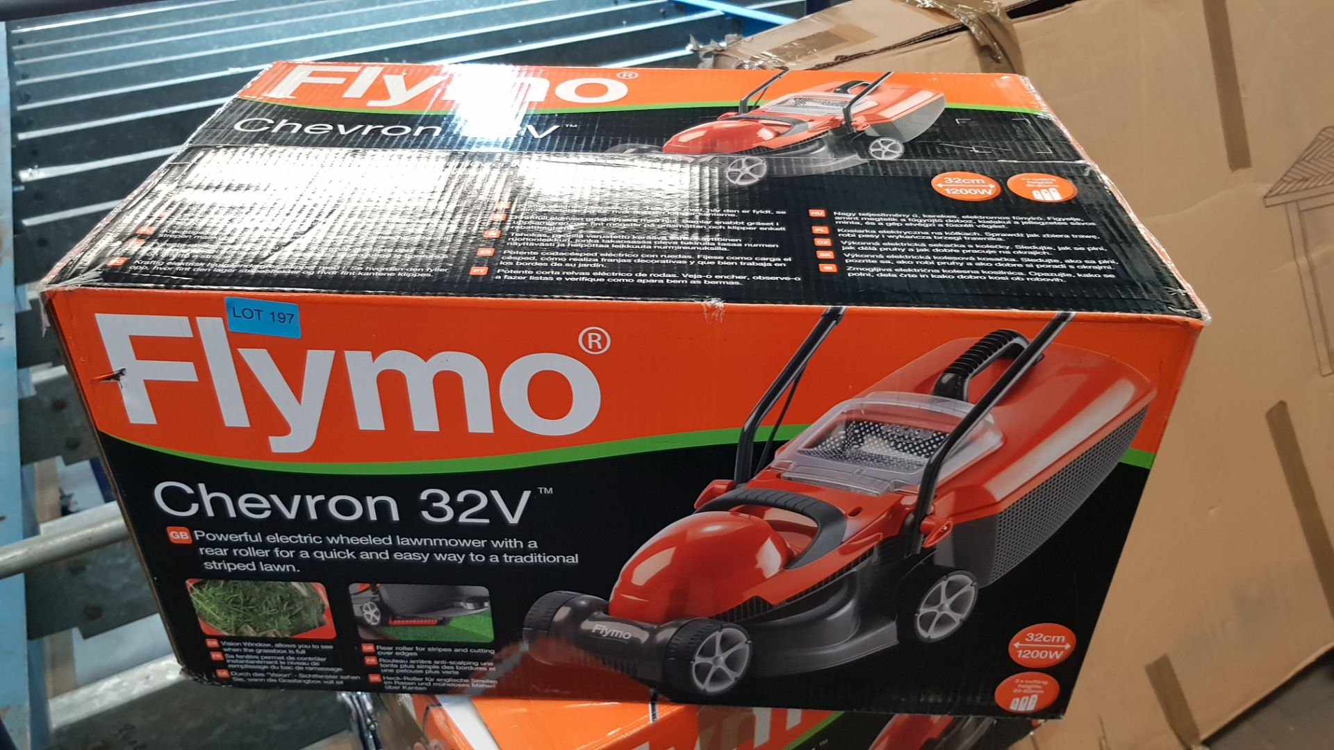 (P7) 1x Flymo Chevron 32V Electric Wheeled Lawnmower RRP £50. New, Sealed Item. - Image 3 of 3