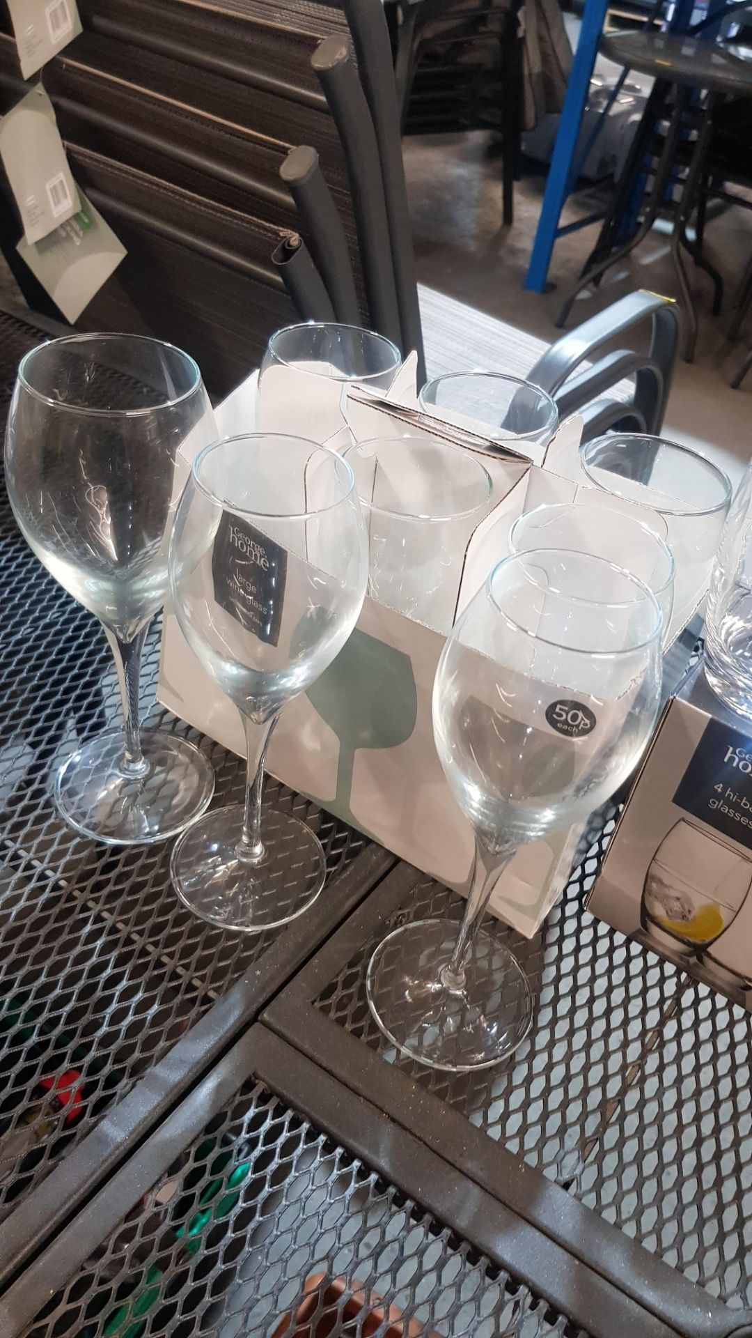 Glass Lot – Approx. 65x Items. To Include 16x Wine Glasses. 3x Large Gin Glasses. 12x Soda Glasses. - Image 13 of 21