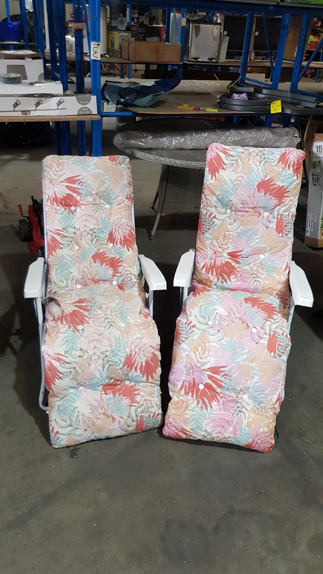 (3A) 2x Pastel Floral Reclining Garden Chair - Image 3 of 5