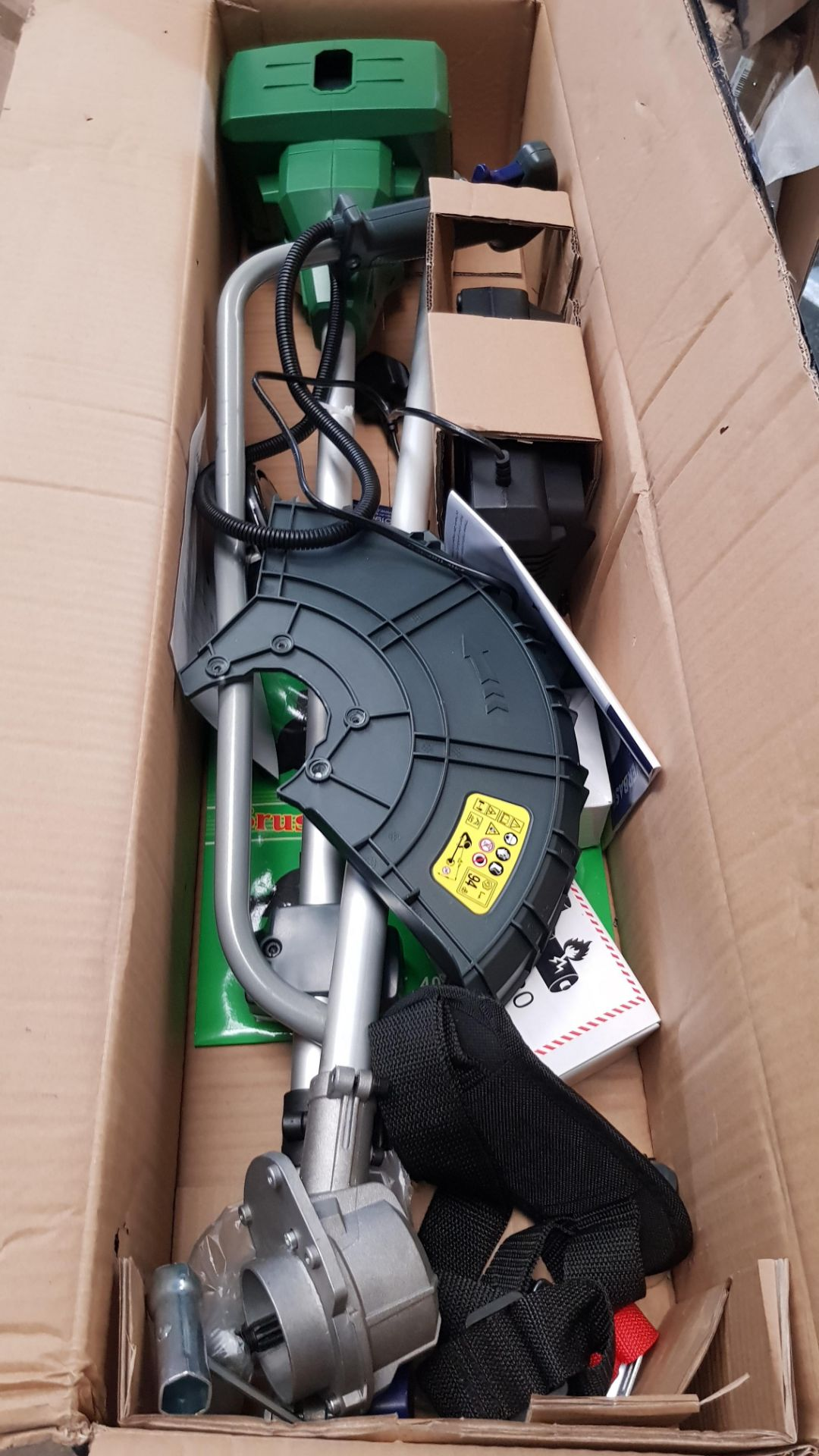 (P9) 1x Powerbase 34cm 40V Cordless Brush Cutter RRP £129. Contents Appear Clean, Unused With Batt - Image 4 of 5