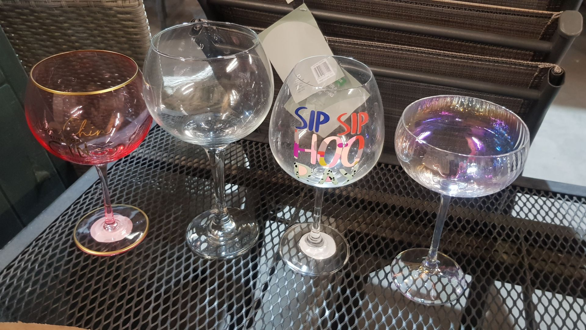 Glass Lot – Approx. 65x Items. To Include 16x Wine Glasses. 3x Large Gin Glasses. 12x Soda Glasses. - Image 15 of 21