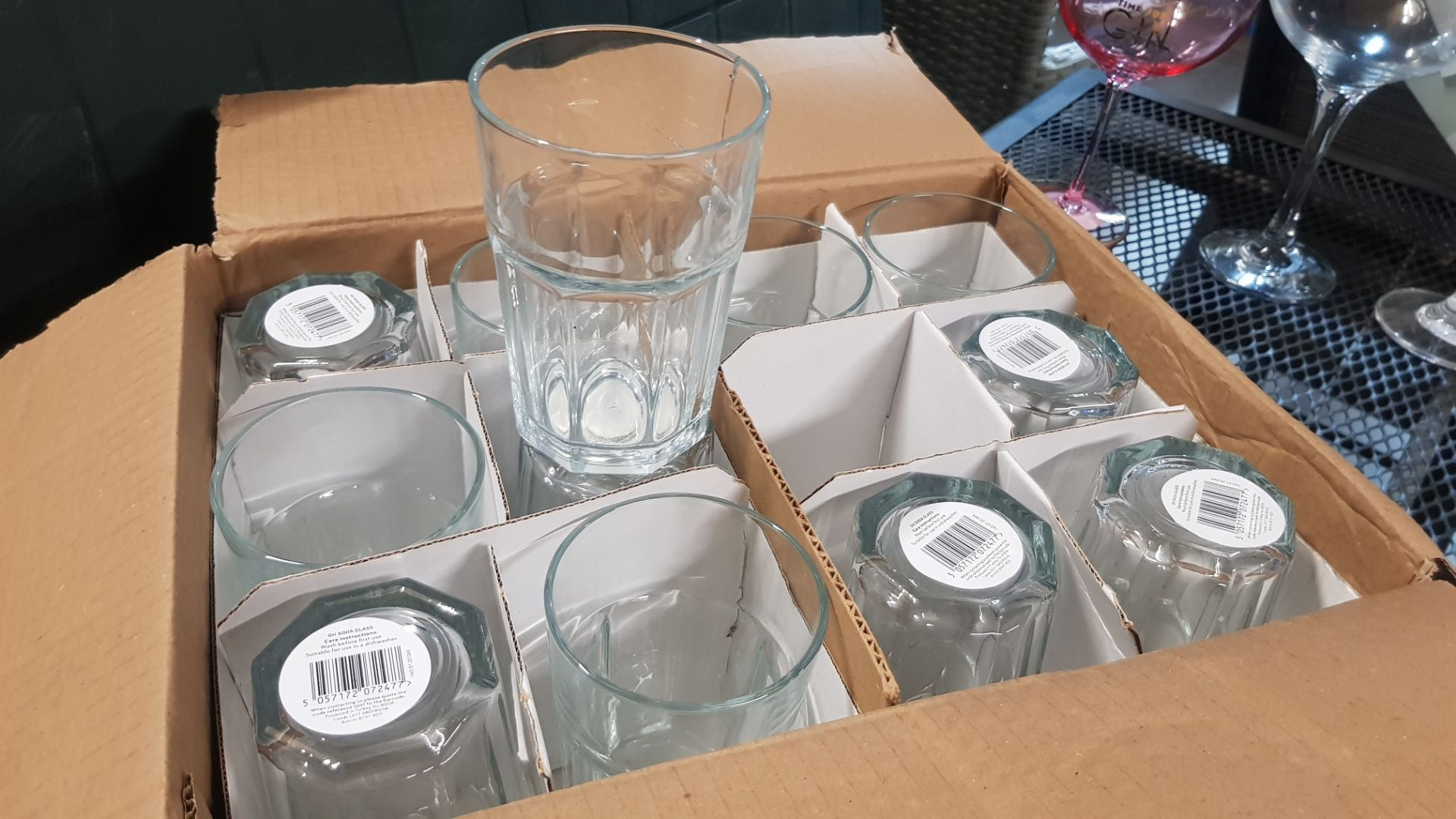 Glass Lot – Approx. 65x Items. To Include 16x Wine Glasses. 3x Large Gin Glasses. 12x Soda Glasses. - Image 16 of 21