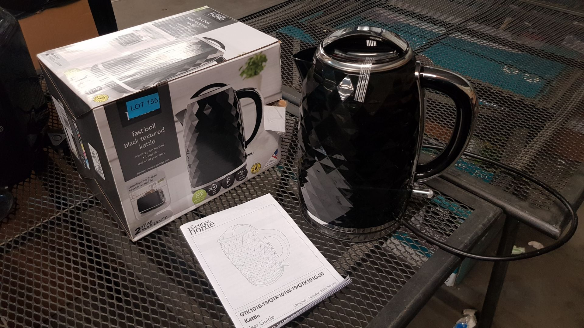 (15) 4x Items, 1x Toshiba Rapid Boiling Electric Kettle Cream. 1x Toshiba Rapid Boiling Electric Ke - Image 10 of 12