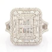 Certificated 14K White Gold Diamond Ring (Total 1.25 Ct. Stone)