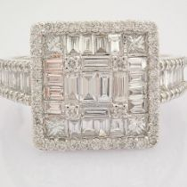 Certificated 14K White Gold Diamond Ring (Total 1.38 Ct. Stone)