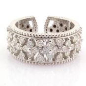 Certificated 18k White Gold Diamond Ring (Total 0.89 Ct. Stone)