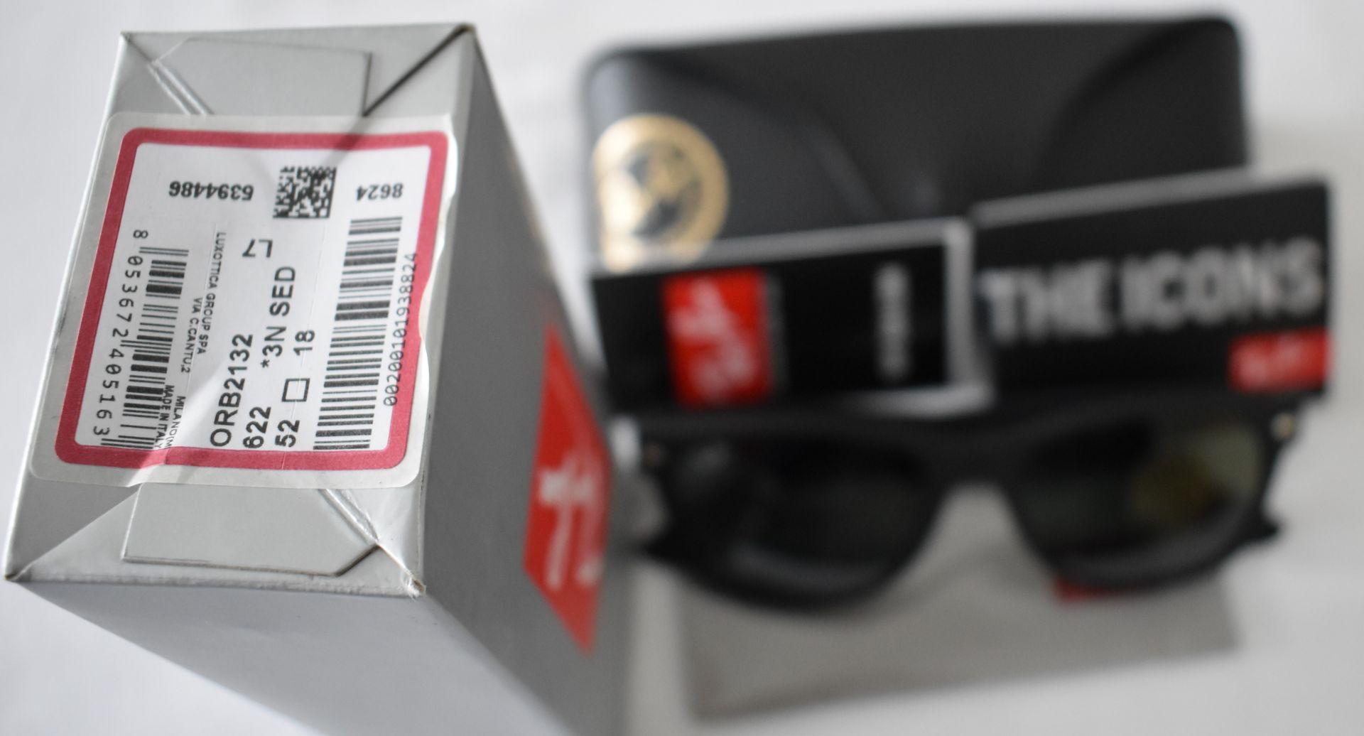 Ray Ban Sunglasses ORB2132 622 *3N - Image 2 of 2