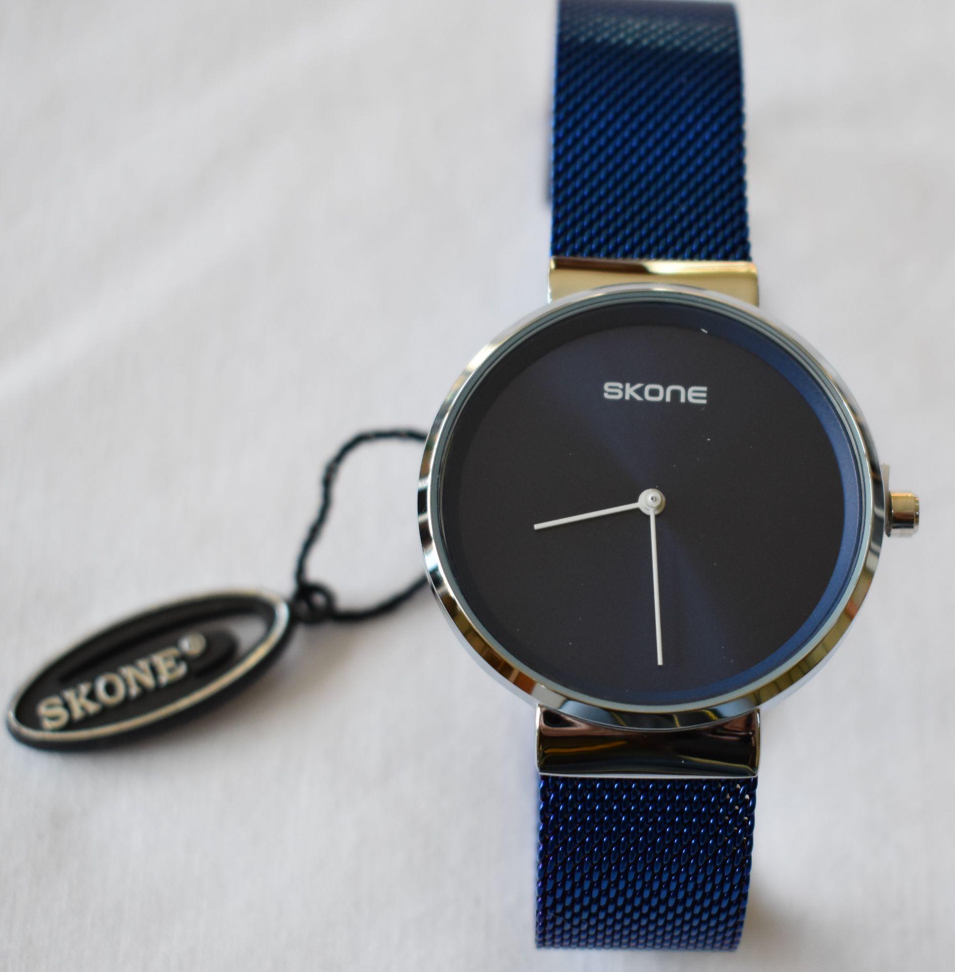 Skone Men's Mesh Strap Watch (Blue)