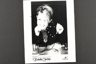 BELINDA CARLISLE Original signature