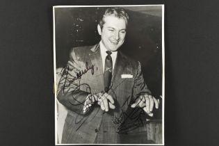 LIBERACE (1919-1987) Original signature