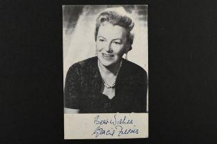 GRACIE FIELDS (1898-1979) Original signature