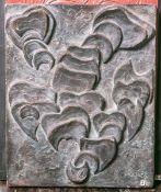 Oskar, R. (20. Jh.), ohne Titel, Terracottaplatte m. abstrakter Darstellung, sign. u. dat. (19)72,